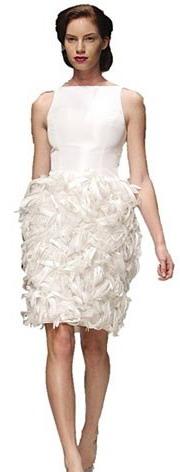 Amsale crée une robe de mariée simple pour 2013, mais sublime reste