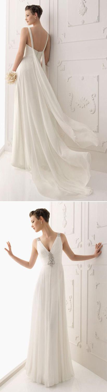 Robe de mariée en mousseline de soie ornée de strass décolletée en V à A-ligne avec bretelle