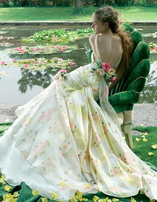 robe pour noce avec impression jaune clair et rose