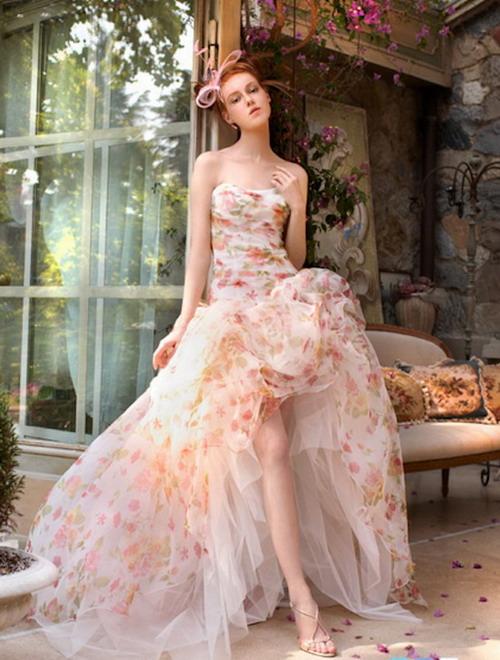 robe de mariage imprimée haut-bas de couleur rose