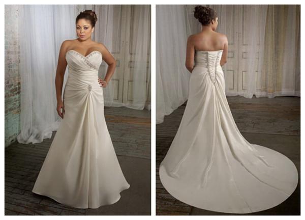 Robe de mariée de grande taille A-ligne en taffetas ornée de bijoux décolletée en coeur ruchée