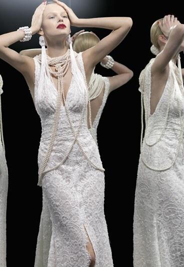 robe de mariée de sirène en dentelle au décolleté