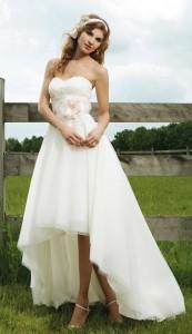 Robe de mariée en dentelle haut-bas en organza décolletée en coeur avec applique