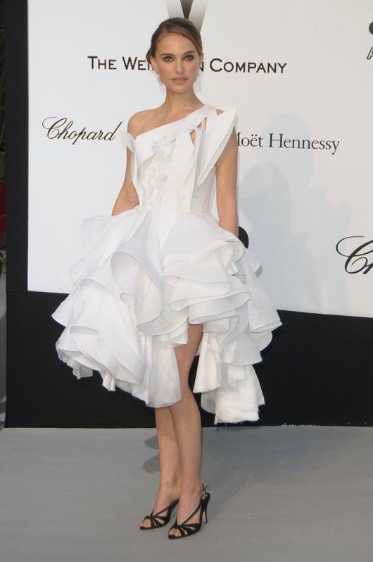 la robe blanche et courte de Natalie Portman
