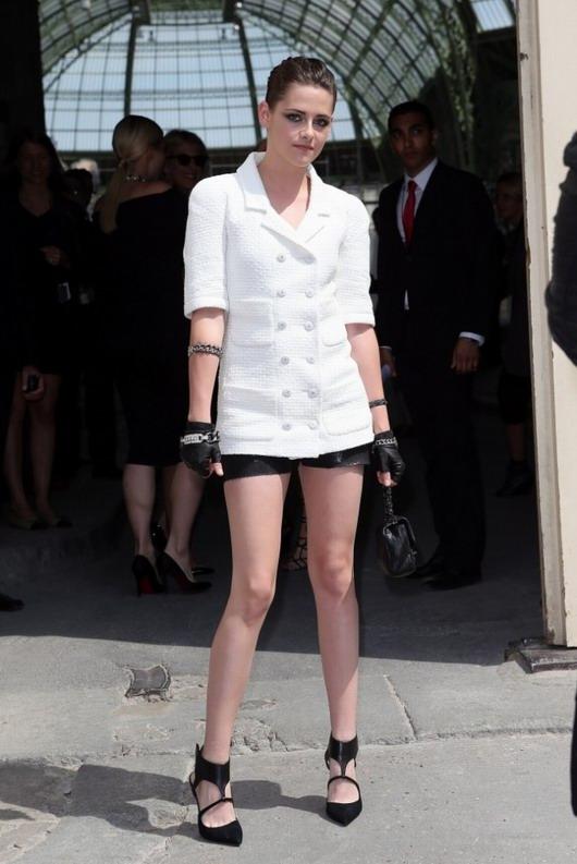 Kristen Stewart présente le défilé Chanel haute couture le 02 juillet dernier à Paris