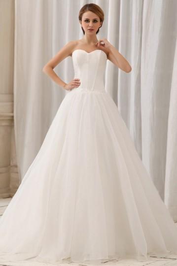 Robe de mariée pour les personnes à triangle