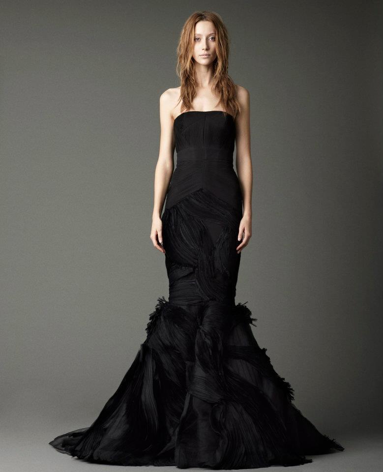 le noir cet ind modable deuxi me vague robe de mari e On vera wang robe de mariée noire