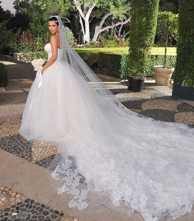 Une robe de mariée simple signée Vera Wang