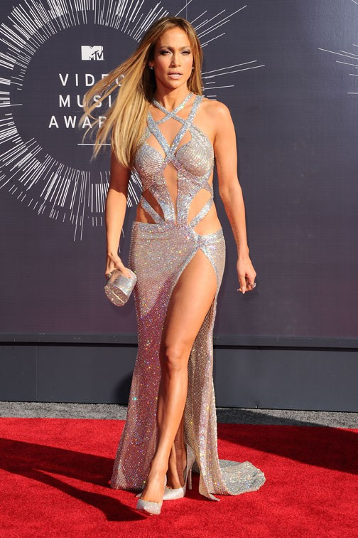 Jennifer Lopez était super sexy avec sa robe brillante
