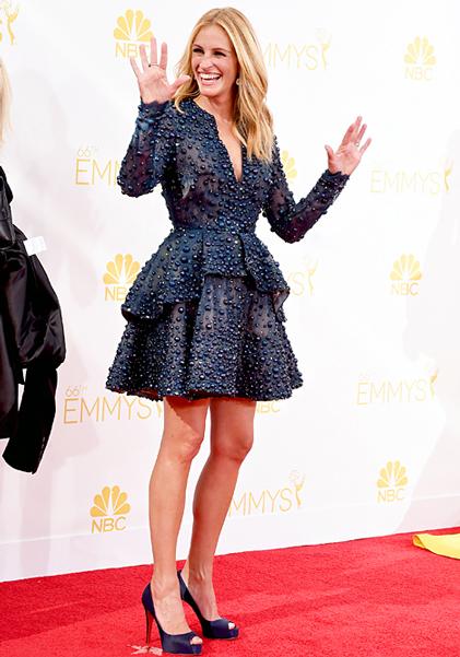 Julia Roberts montrait ses belles jambes en enfilant une petite robe