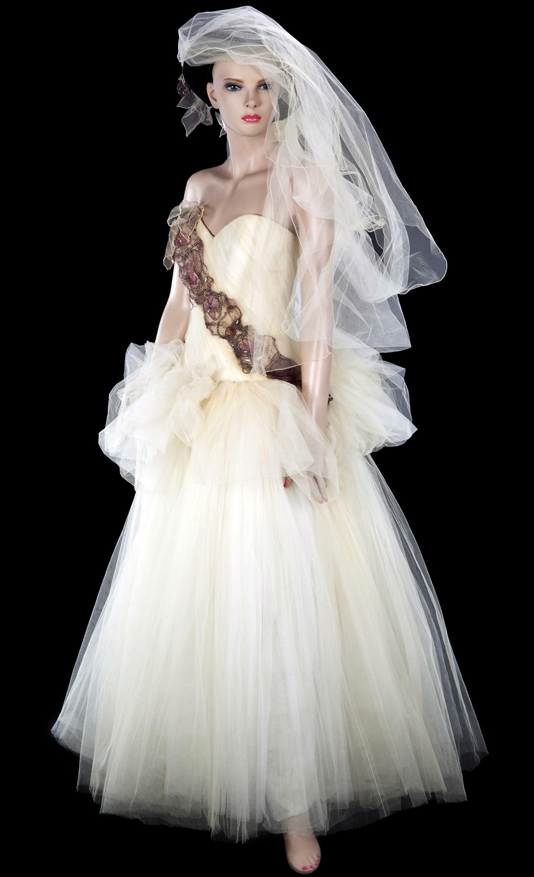La robe de mariée que portait Madonna quand elle a épousé Sean Penn en 1985