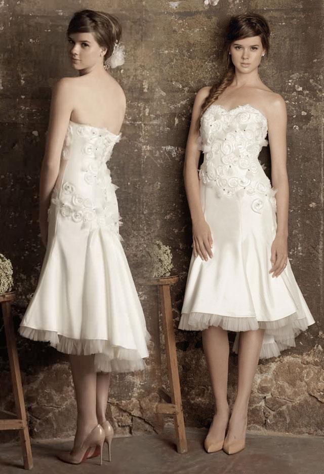 Robe de mariée courte chic à bustier coeur avec détails fleuris