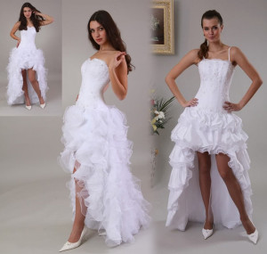 Robe de mariée longue derrière jupe volants