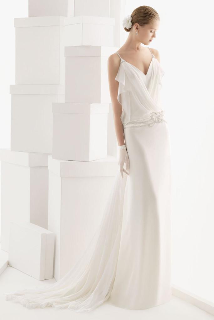 robe de mariée taille plongeante encolure drapée