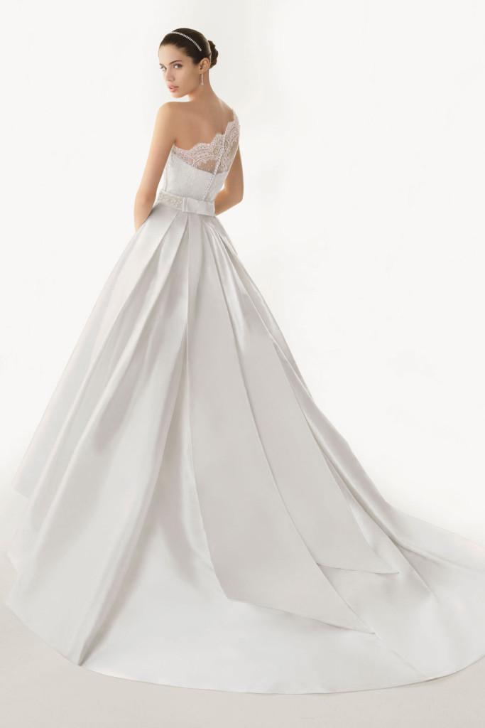 robe-de-mairee-dentelle-vintage-asymetrique