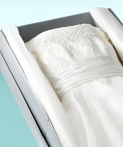 Astuce-pour-conserver-une-robe-de-soirée