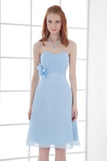 les robes pour vos demoiselle d 39 honneur conseils de mode pour vos habits. Black Bedroom Furniture Sets. Home Design Ideas