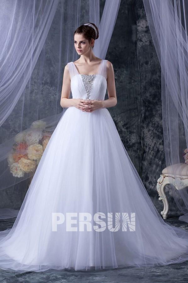 robe-de-mariage-princesse-decollete-carre-avec-bretelle
