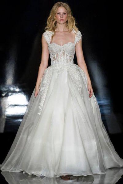 robe-de-mariee-princesse-vintage-en-dentelle