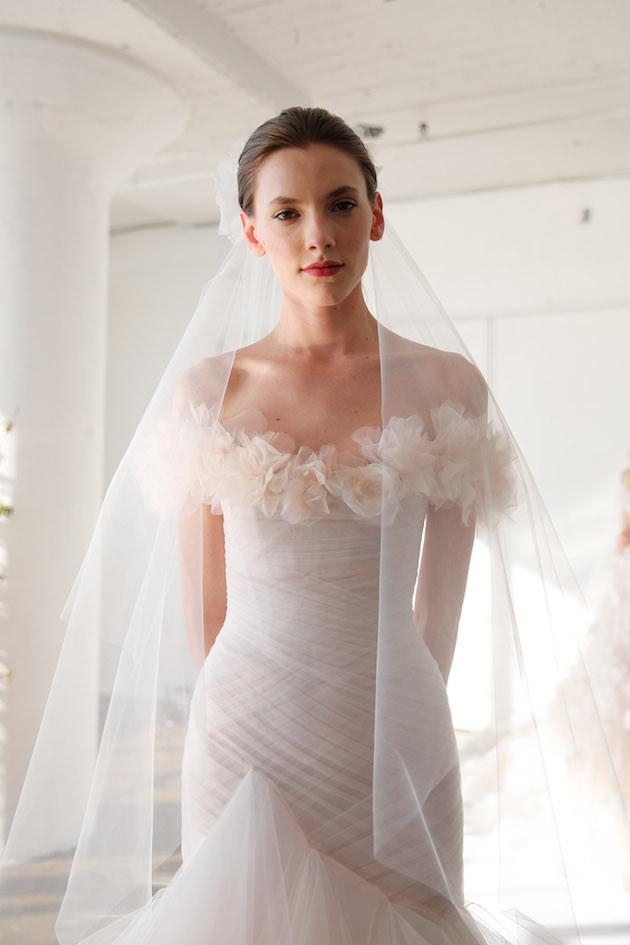 Essayez lachat dune robe de mariée en ligne  Robe de mariée ...