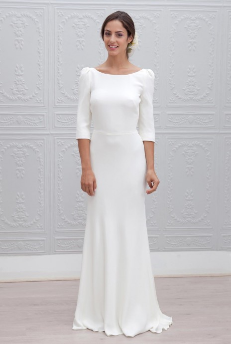 Robe de mariée avec manches minimalisme
