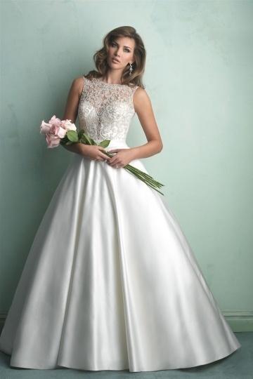 robe-de-mariee-princesse-sans-manches-en-dentelle