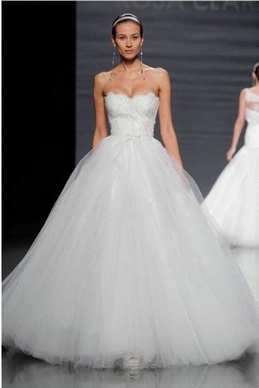 La robe princesse est une tenue féerique pour mariage  Robe de ...