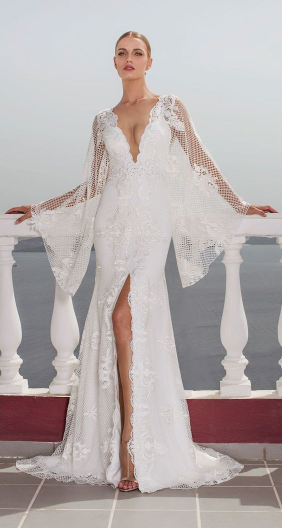 robe-de-mariee-fendue-manche-cape
