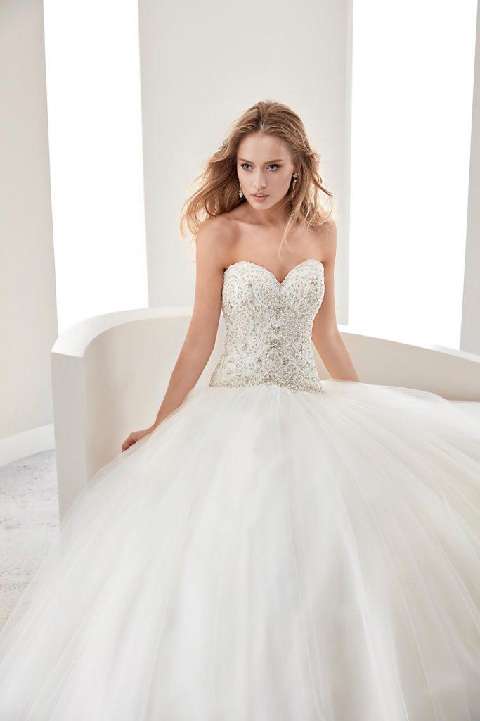 chic robe mariage bustier cœur bordée