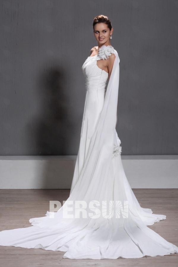 Robe de mariée moderne à seule épaule à traîne Watteau ornée de fleurs