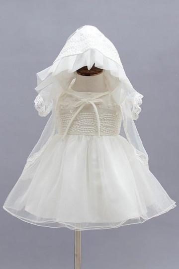 robe de communion avec chapeau