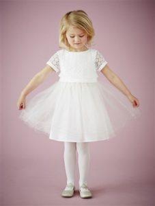 simple robe cérémonie fille courte blanche à mancheron