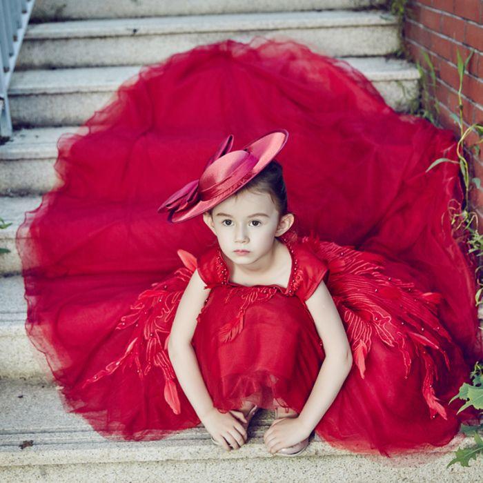 robe cérémonie de fille rouge longue avec traîne