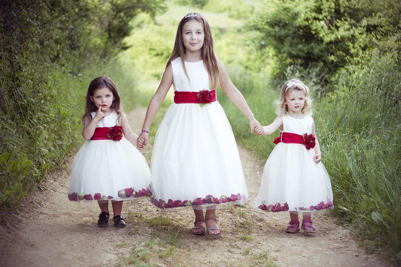 princesse robe blanche avec ceinture rouge
