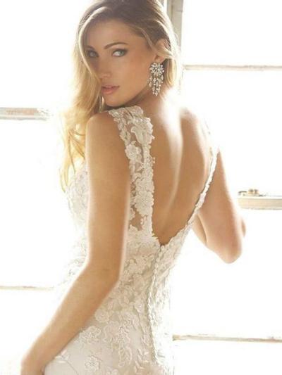 Pourquoi miser sur une robe de mariée ornée de fleurs ?