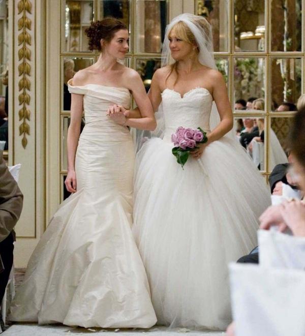 robes mariage bustier droit sirène & bustier cœur princesse de Film Bride Wars