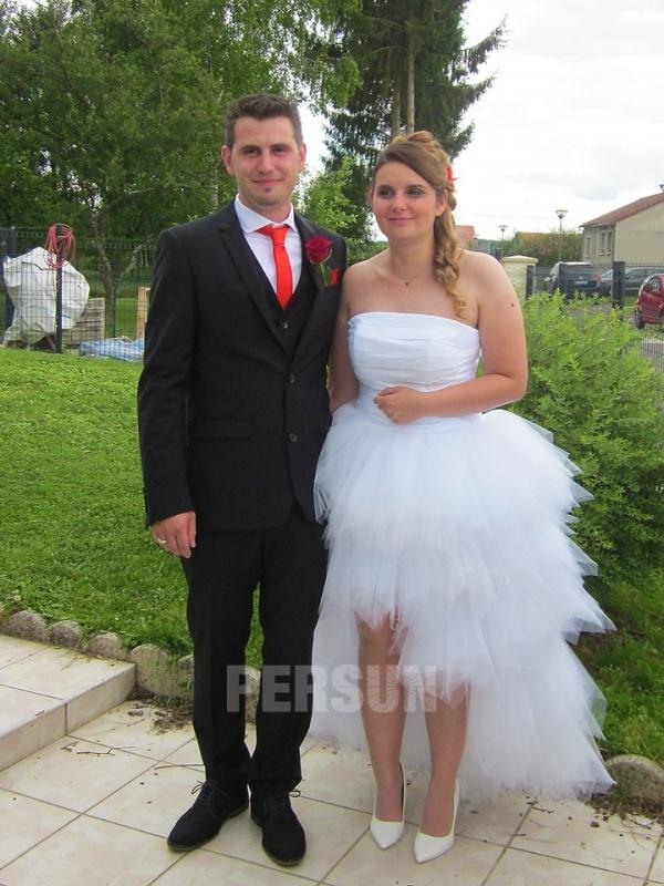 avis client de robe de mariée courte devant longue derrière jupe volanté