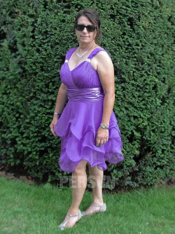 robe de soirée violette courte plissé à jupe volantée