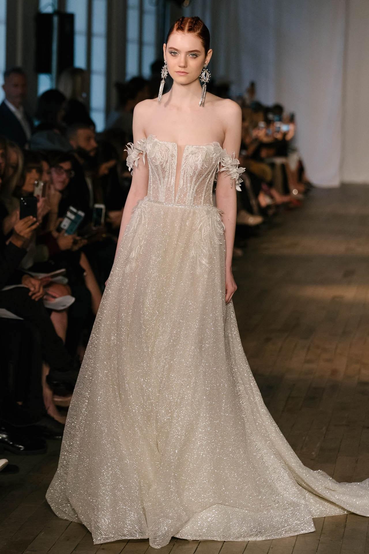 robe de mariée champagne longue col bardot