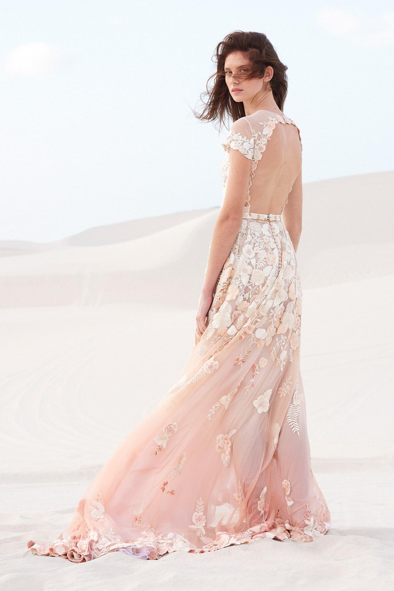 robe de mariée florale dos découpé