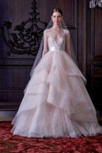 robe de mariée princesse rose ruchée col décolleté en V