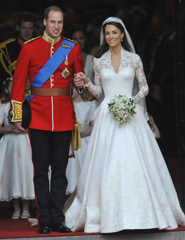 robe de mariée princesse manche longue en dentelle de Kate Middleton