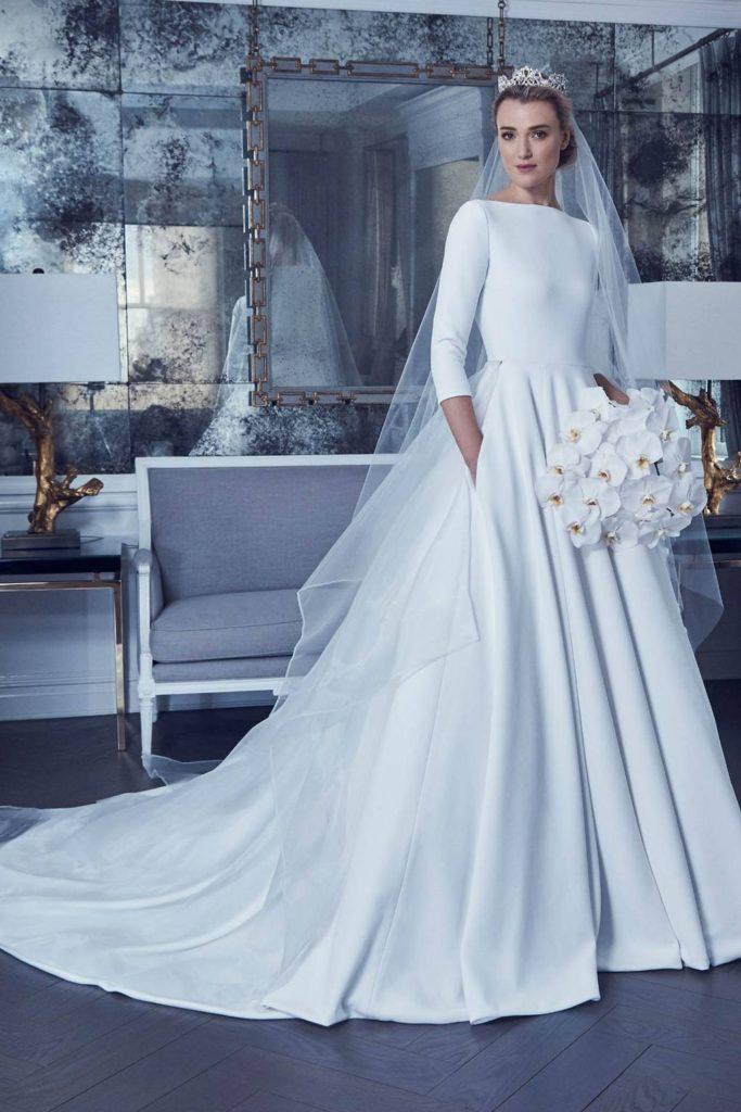 robe de mariée chic à manche 3/4 col bateau