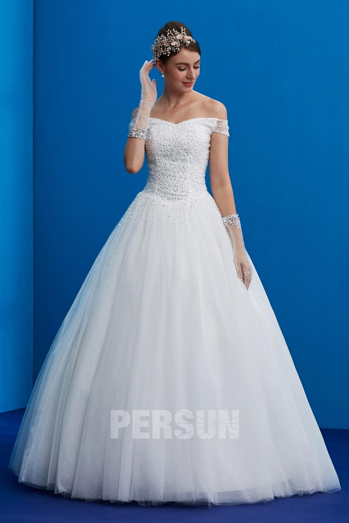 robe de mariée princesse col bardot orné de paillettes