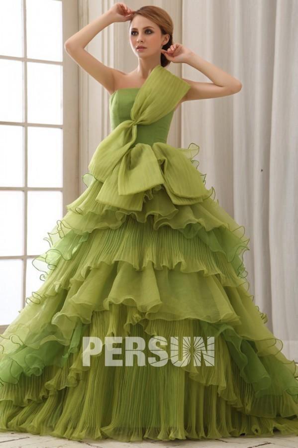 robe de mariée verte princesse avec noeud papillon