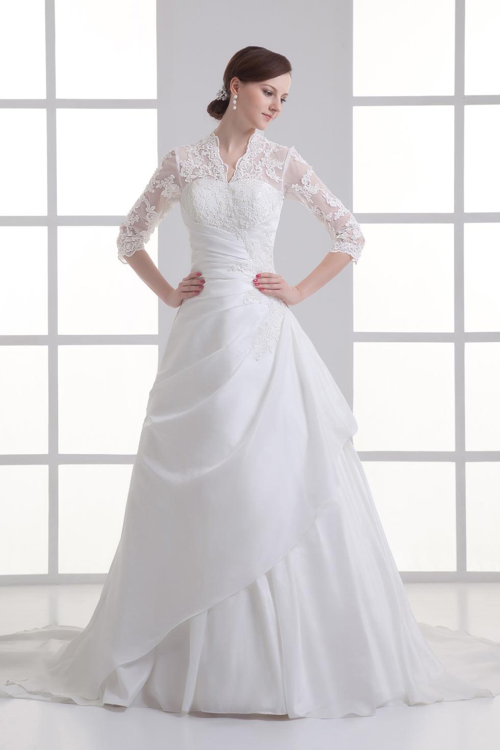 robe de mariée avec manche 3/ 4 col en V