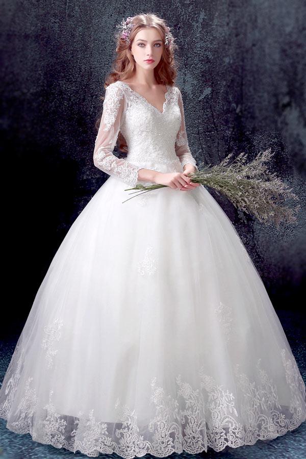 robe de mariée princesse col en V avec manche en dentelle