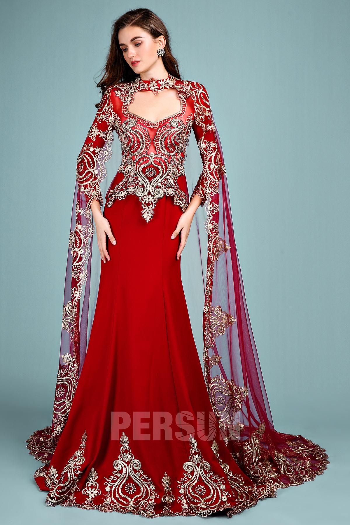 robe de mariée rouge style indien en dentelle guipure dorée