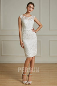 robe courte de mariée fourreau en dentelle