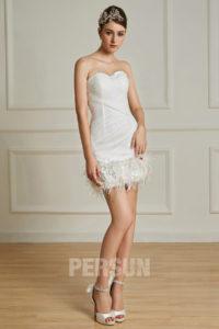 mini robe de mariée bustier coeur avec plumes